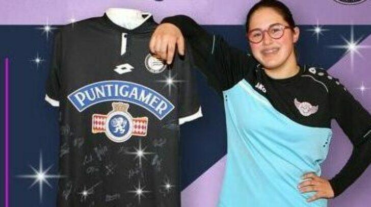 Unter anderem wird es ein handsigniertes Fußballtrikot vom SK Sturm zu gewinnen geben.