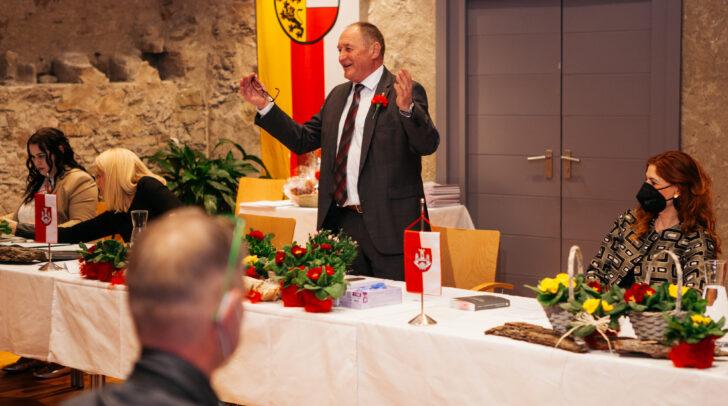 Am Bild: Bürgermeister Josef Kronlechner