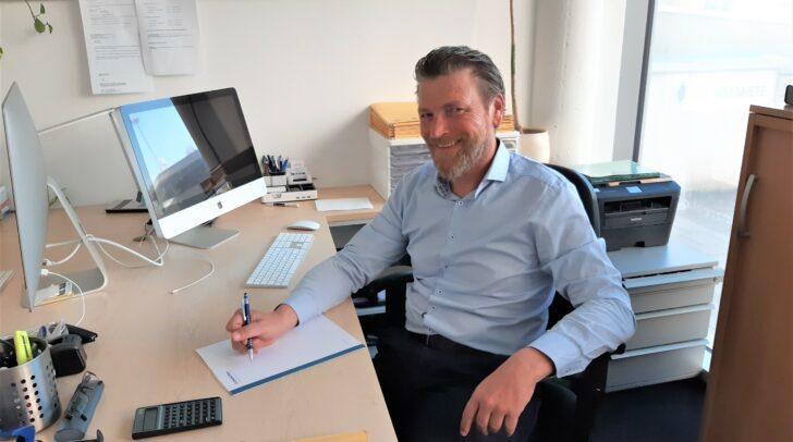 Finanzreal-Experte Roland Potocnik (am Bild) holt gemeinsam mit Dieter Wallner die besten Konditionen für ihre Kunden heraus.