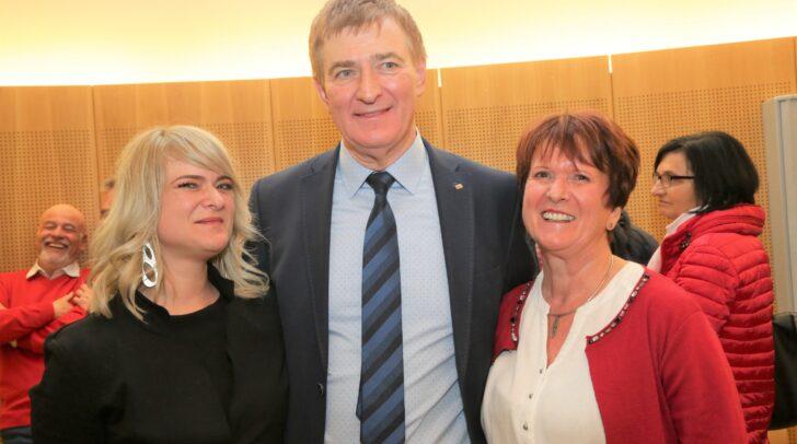AK-Präsident Günther Goach mit Tochter und Ehefrau .