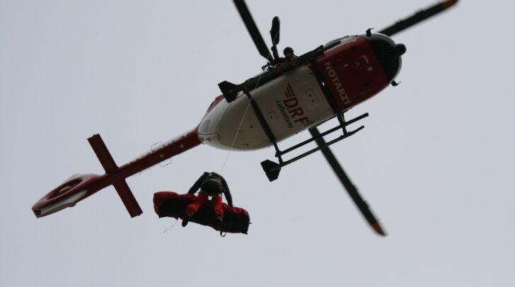 Übung macht den Meister: Ganz besonders gilt das für die heiklen Windenbergungen der Flugrettung.