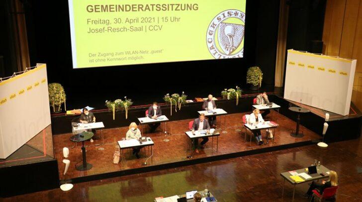 Blick auf die Mitglieder des Stadtsenates in der Gemeinderatssitzung vom 30. April 2021.