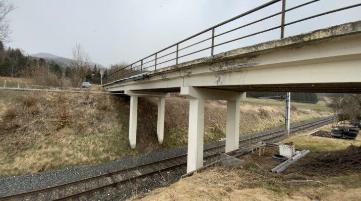 Die Überfahrtsbrücke in Tauchendorf wird aufwändig erneuert.