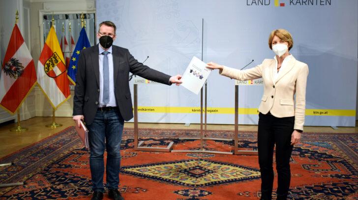 AMS-Kärnten-Chef Peter Wedenig und  Arbeitsmarktreferentin Gaby Schaunig bei der Vorstellung des Projektes.