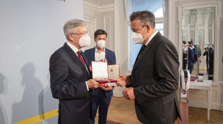 Am Bild v.l.: LH Peter Kaiser, LR Daniel Fellner und Konrad Seunig.