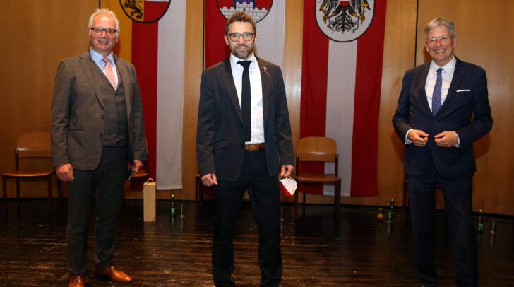 Landtagspräsident Reinhart Rohr, Bürgermeister Manuel Müller und LH Peter Kaiser