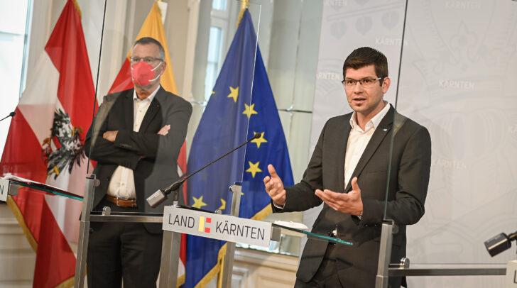 Landesrat Martin Gruber bei der Pressekonferenz