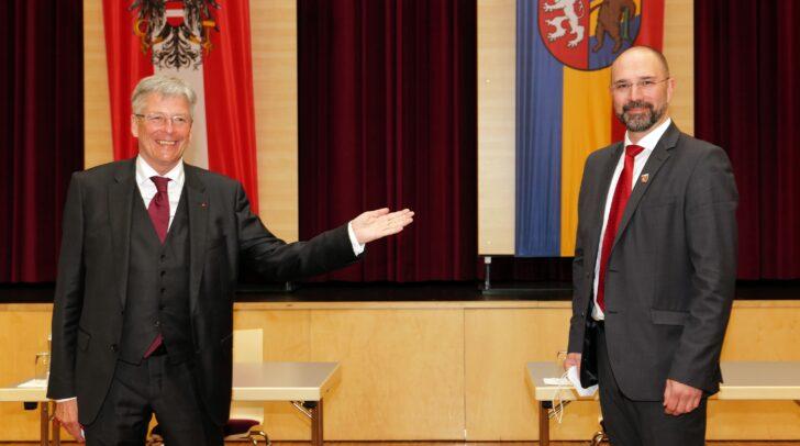 Konstituierende Sitzung Gemeinderat Kötschach Mauthen Im Bild: LH Peter Kaiser und Bgm. Josef Zoppoth