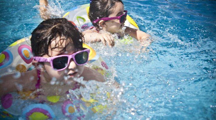 Leistbare Sommerbetreuung für Kinder soll mit dem Pilotprojekt der Wirtschaftskammer Kärnten und der SVS Kärnten unterstützt werden.