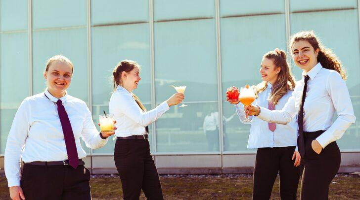 Die JungbarkeeperInnen überzeugten mit einem bunten und frühlingshaften Cocktailangebot.