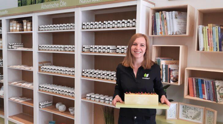 Anna Maria Bäck bietet in ihrem Shop NAKOBE Naturkosmetik zum selber machen an.