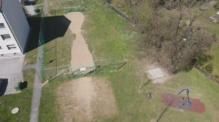 Dieser Sportplatz sorgt bei den Anrainern der Neuen Heimat für Ärger.
