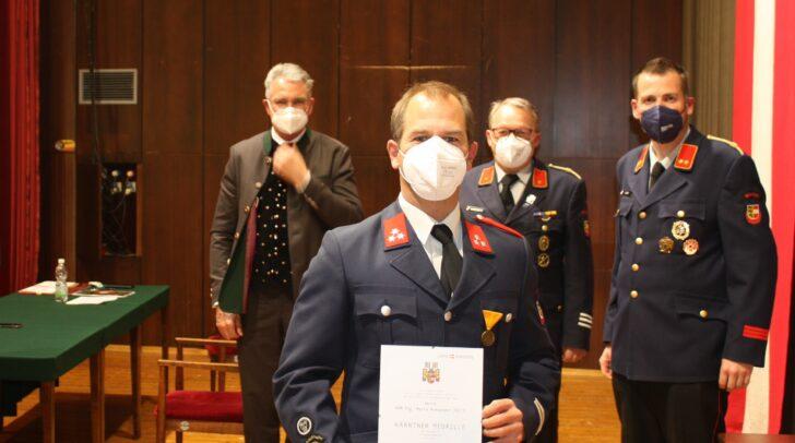 Bei der Jahreshauptversammlung erhielt unter anderem Mario Fritz ein Ehrenzeichen für 25 Jahre verdienstvolle Tätigkeit im Feuerwehrwesen.