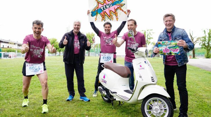 Unter allen Teilnehmerinnen und Teilnehmern wurde heuer eine einzigartige Kirschblütenlauf-Vespa verlost.