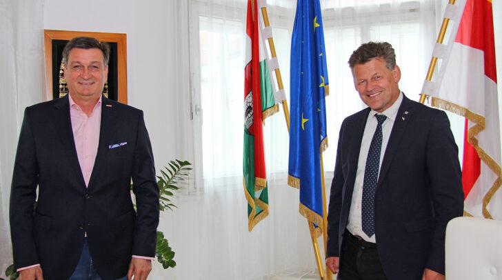 WK-Präsident Jürgen Mandl und Bürgermeister Christian Scheider im Klagenfurter Rathaus
