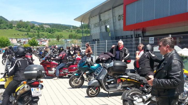 Viele Motorrad-Fans unterstützten gerne den karitativen Zweck