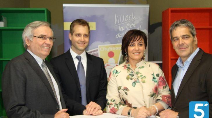 Aufsichtsrat Alfred Plessin, Max Wöss (UMDASCH), Vzbgm. Petra Oberauner und Stadtmarketer Gerhard Angerer